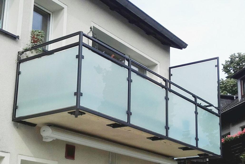 balkone und gel nder. Black Bedroom Furniture Sets. Home Design Ideas